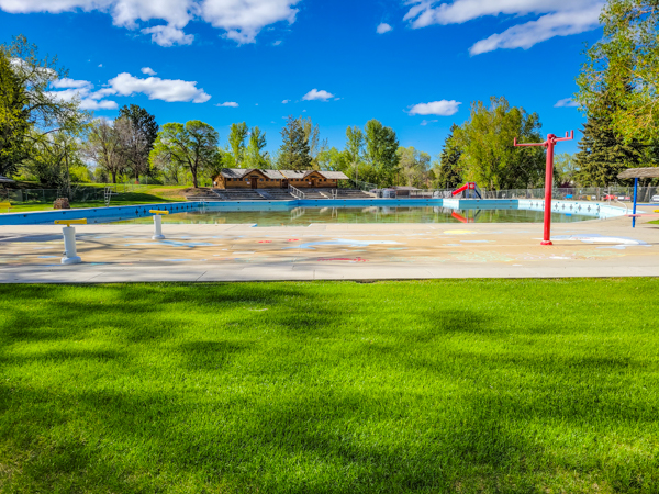 Huge, Free Public Swimming pool (or is that pond) in Buffalo, WY